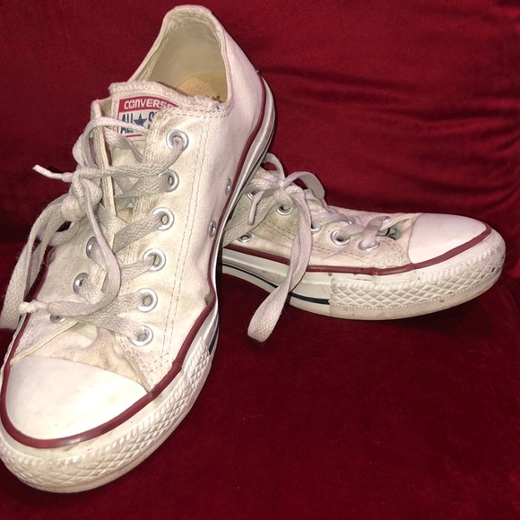 Converse Shoes - WHITE ALL STAR CONVERSE SIZE WOMENS 8 AND MENS 6!